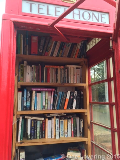 Telephone kiosk library