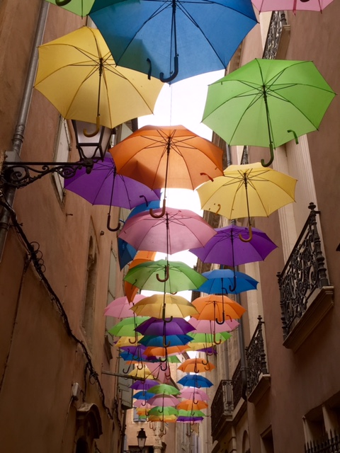 umbrellas-in-beziers
